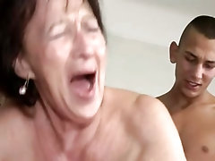 Cock hungry mature chick sucks and rides a big one