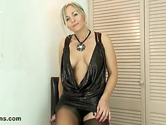 Seductive mature gal likes to cock tease way younger guys