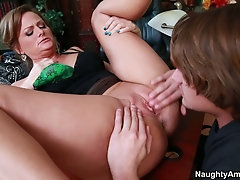 Inked muff diver gets a blowjob from the blonde cougar