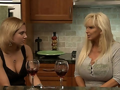 Mature blonde bimbo sucks dick like a hooker&excl